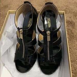 Heels black patent shiny